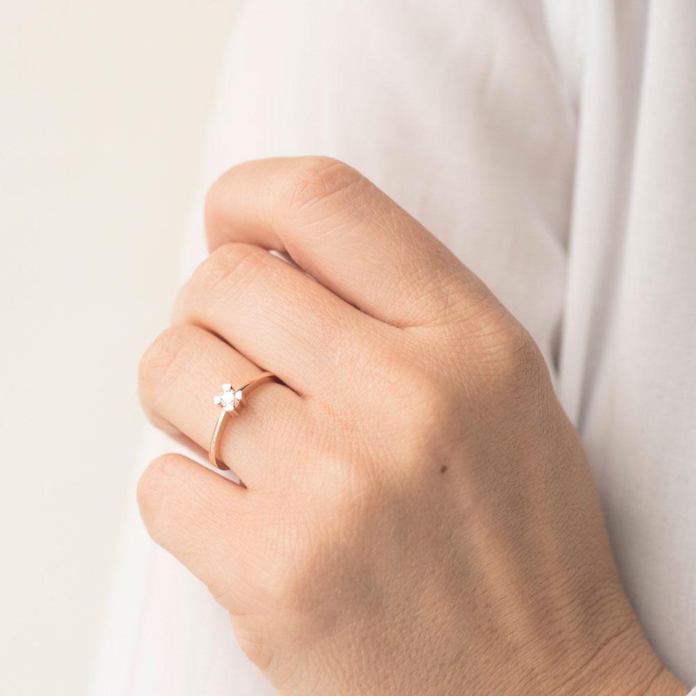 Кольцо с бриллиантом Оникс из красного золота