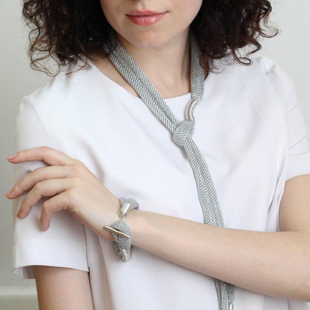 Браслет Галстук Elisabeth Landeloos серебристого цвета