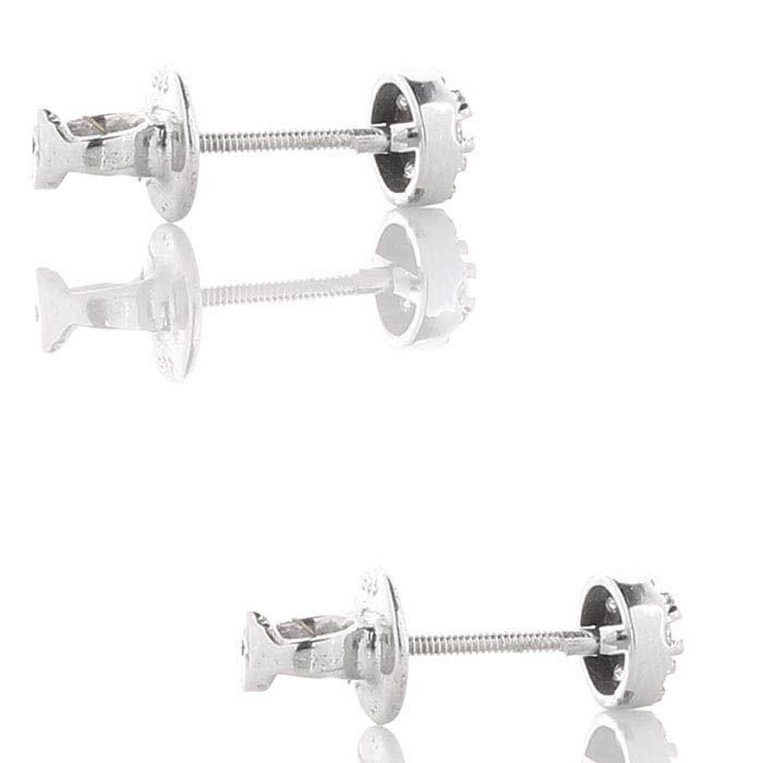 Маленькие серьги-пусеты с бриллиантами
