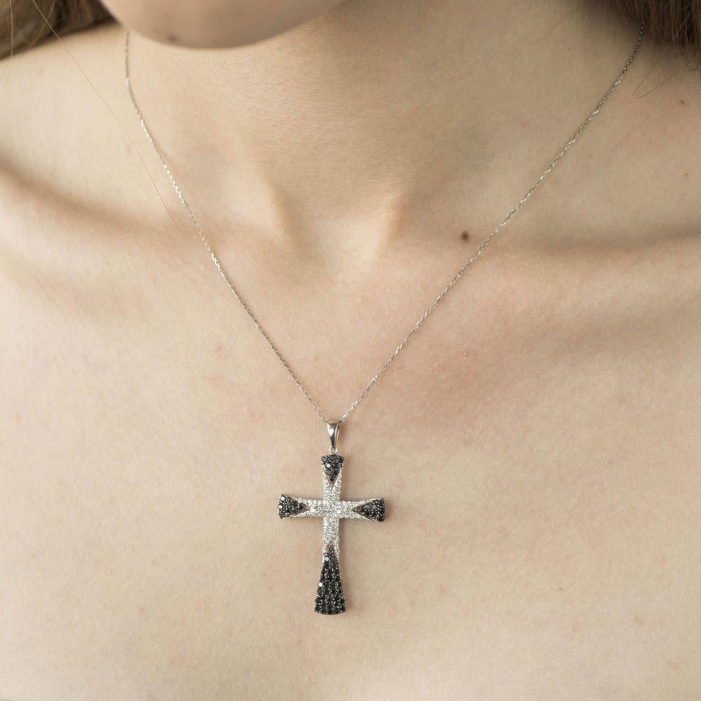 Крестик из золота Оникс с черными и белыми бриллиантами