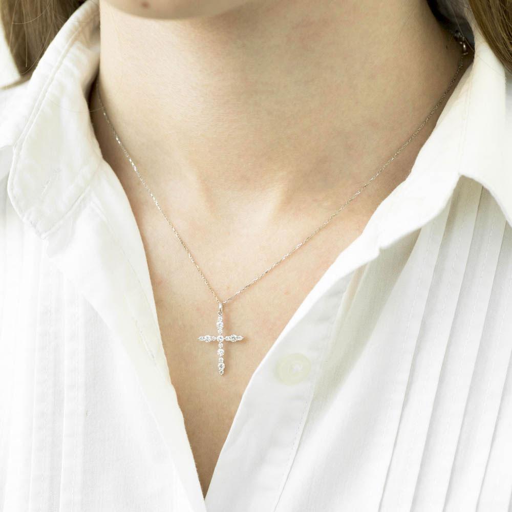 Крестик с бриллиантами Оникс из белого золота