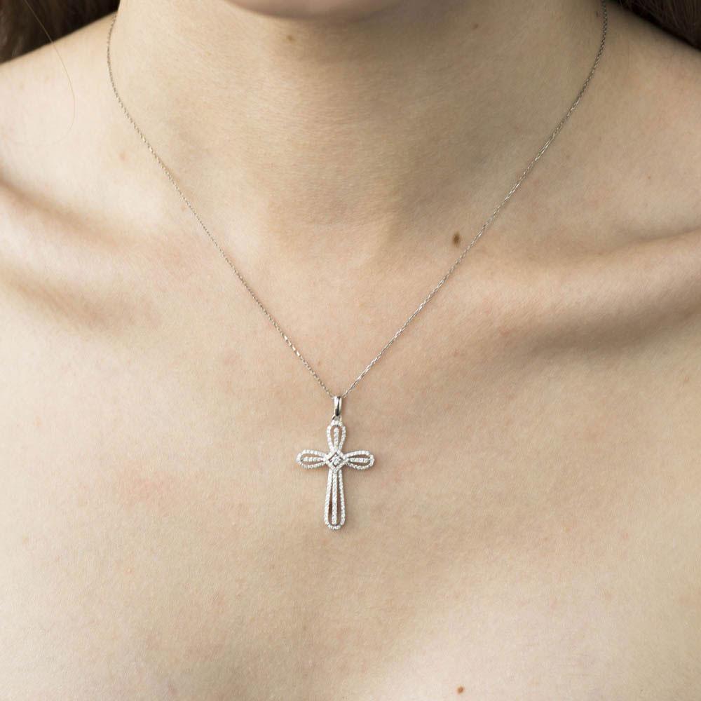 Крестик с бриллиантами Оникс округленной формы