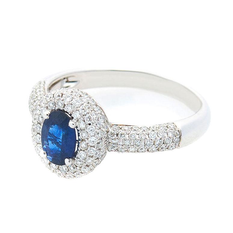 Золотое кольцо Оникс с синим сапфиром и бриллиантами