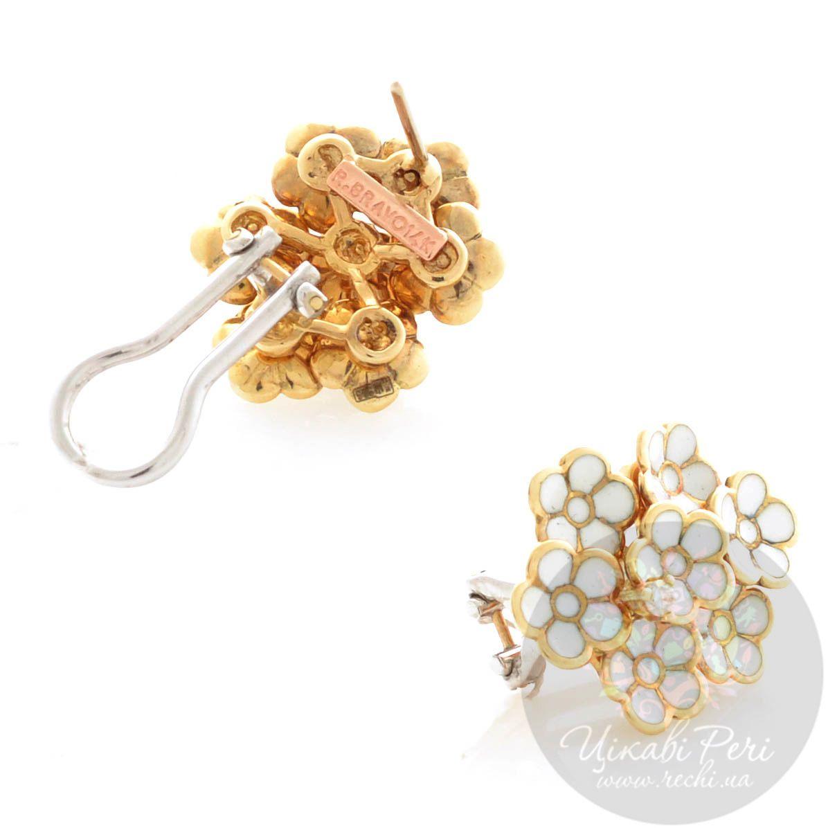 Серьги Roberto Bravo White Dreams золотые в виде белого букета цветов с бриллиантом
