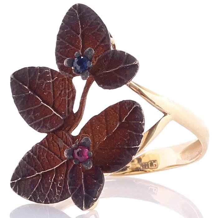 Золотое кольцо Roberto Bravo из шариков с коричневыми лепестками и сапфирами