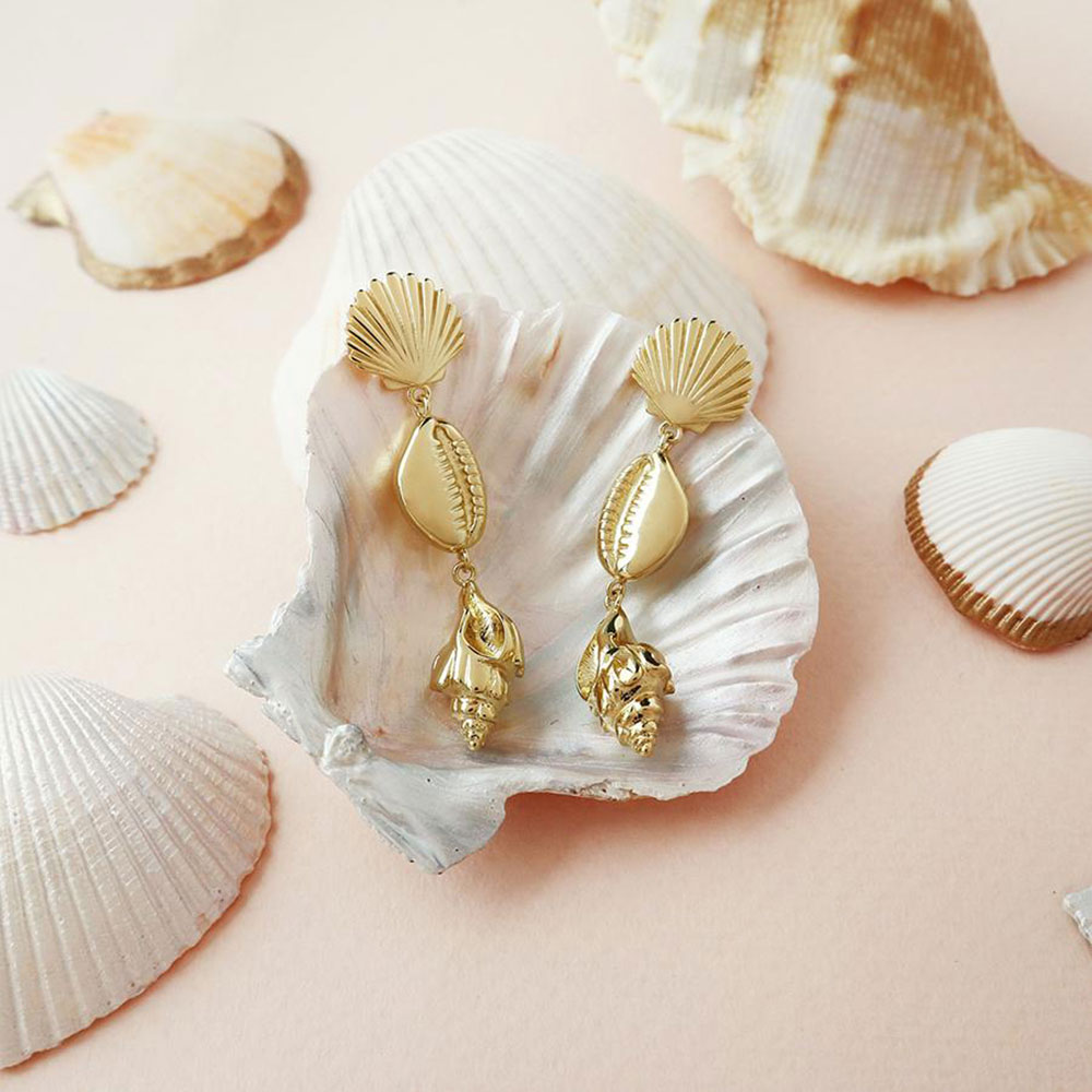 Серьги с ракушками Wanderlust + Co Daylight Como Shell