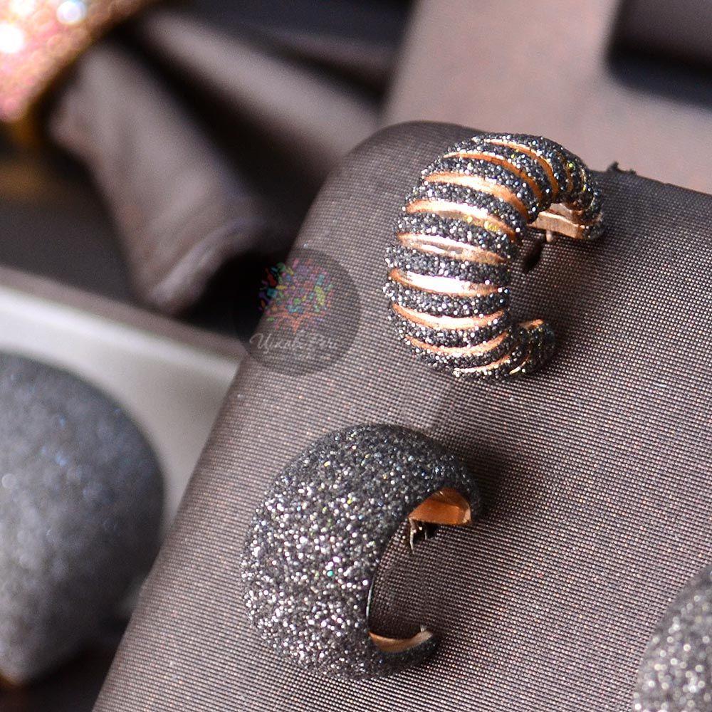 Серьги-пусеты Pesavento позолоченные с полосами из коричневой карбоновой крошки