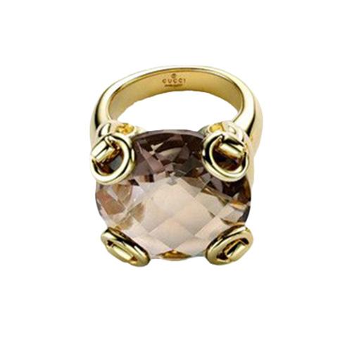 Коктейльное кольцо Gucci Horsebit из желтого золота с крупным дымчатым кварцем