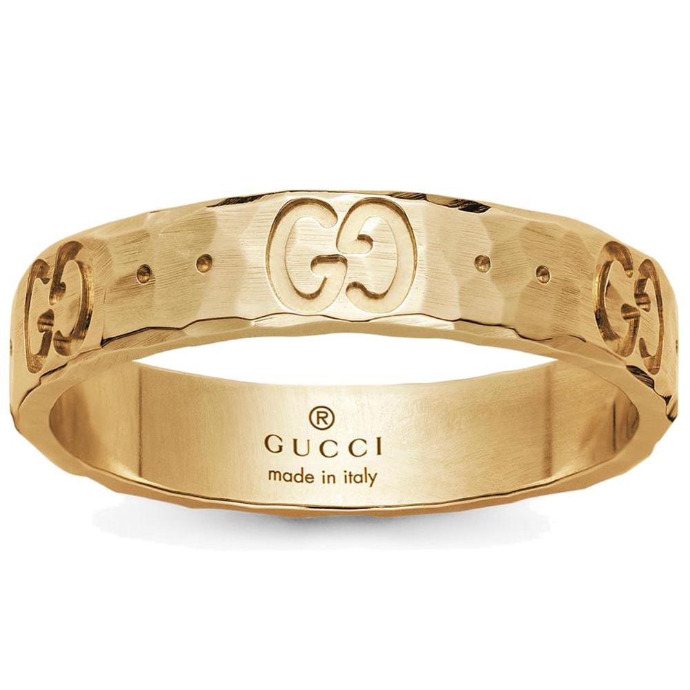 Золотое кольцо Gucci Icon с отчеканенной поверхностью и фирменным тиснением