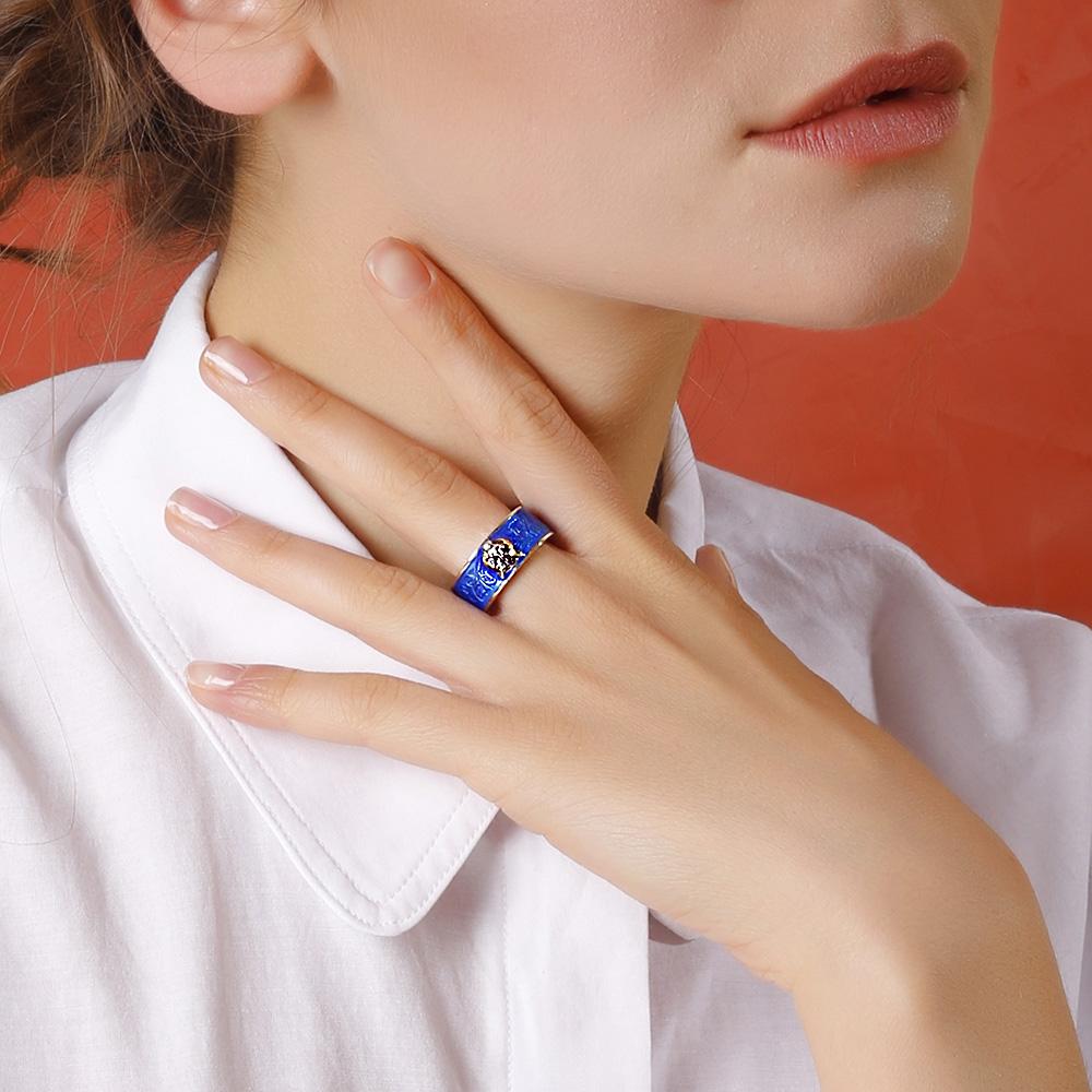 Серебряное кольцо Gucci Garden с кошачьей головой и синей эмалевой пряжкой