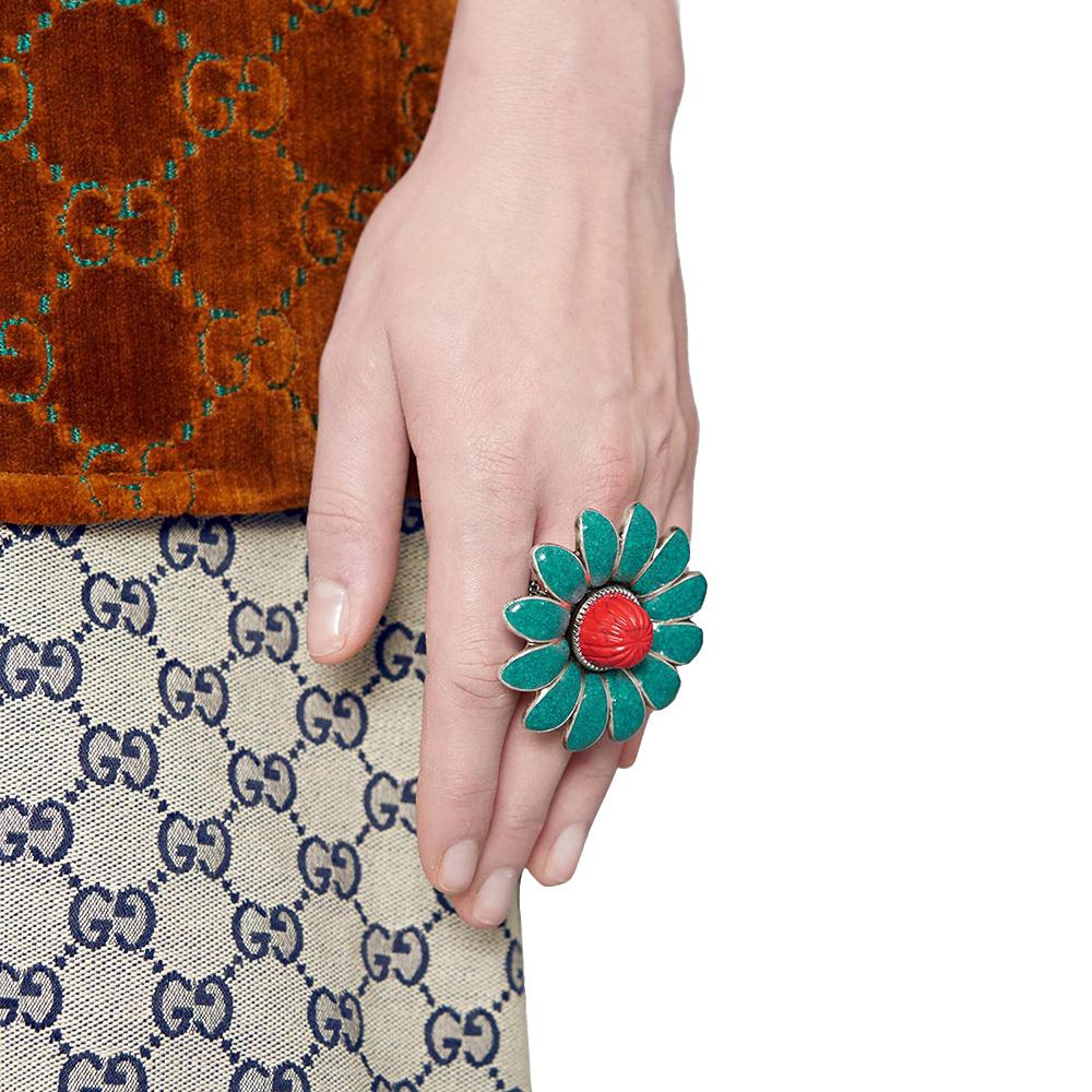 Серебряное кольцо Gucci GG Marmont в виде цветка с лепестками и двумя змеями