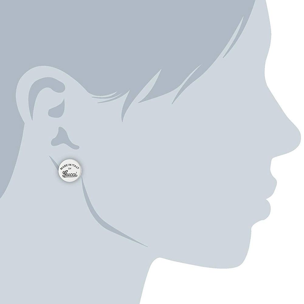 Женские серебряные серьги-гвоздики Gucci Craft с выгравированной надписью