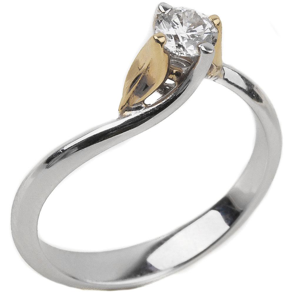 Кольцо с бриллиантом в белом цвете металла