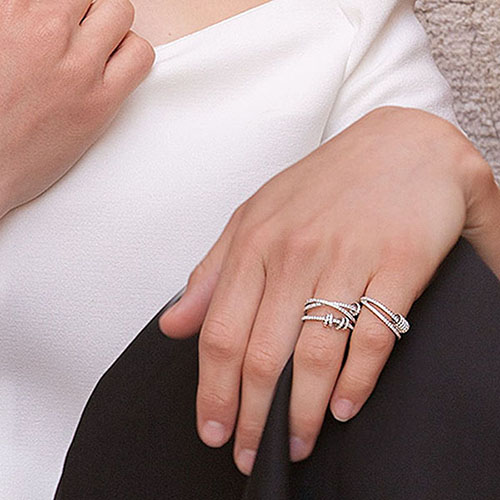 Кольцо из серебра APM Monaco декорированное цирконами, фото