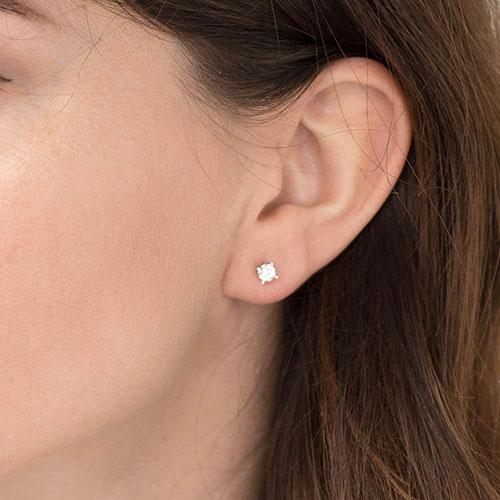 Cерьги-гвоздики Оникс из золота с бриллиантами, фото