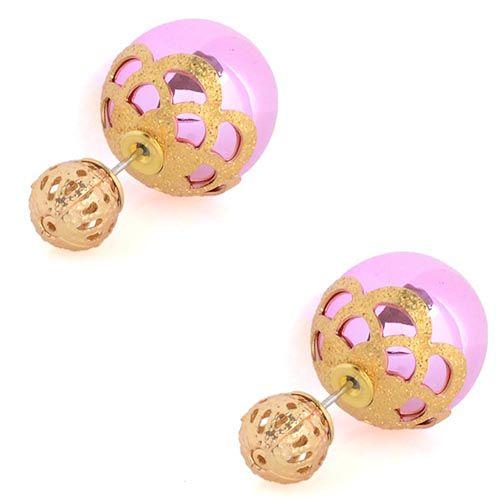 Розовые асимметричные серьги-гвоздики в золотых кружевах, фото