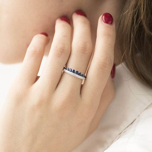 Кольцо из белого золота с сапфирами и бриллиантами, фото