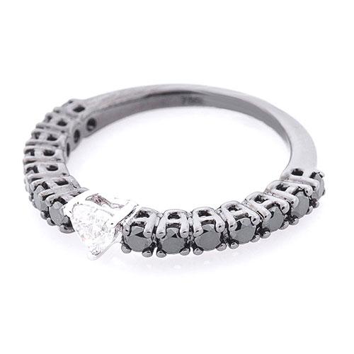 Кольцо из золота Оникс с белым бриллиантом по центру, фото