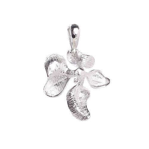 Кулон на шею Roberto Bravo Kareena в форме цветка маттиолы с бриллиантами, фото