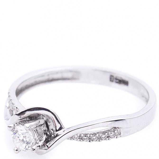 Золотое кольцо Оникс с бриллиантами, фото