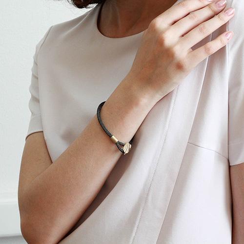 Браслет Elisabeth Landeloos с застежкой в виде перышка, фото