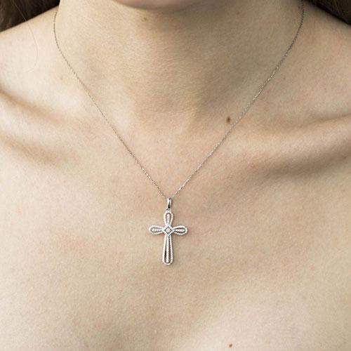 Крестик с бриллиантами Оникс округленной формы, фото