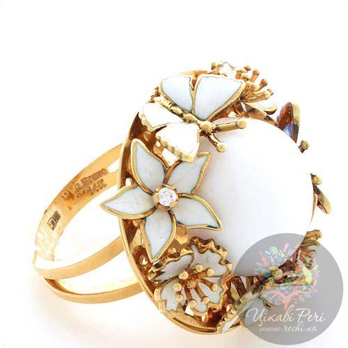 Кольцо Roberto Bravo White Dreams золотое с бриллиантом и большим агатом в окружении цветов и бабочек, фото