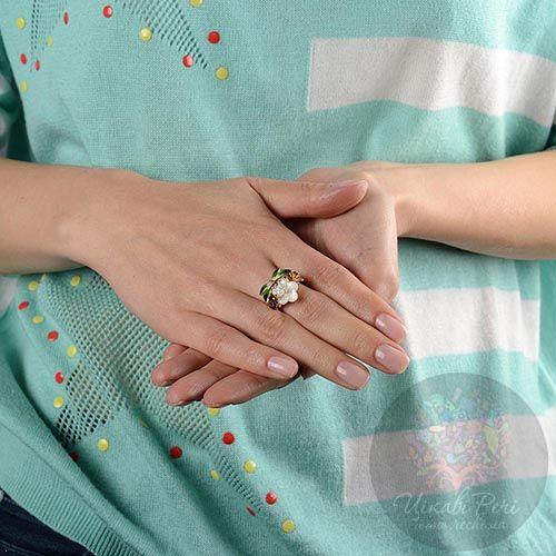 Кольцо Roberto Bravo Noahs Ark с цветком из перламутра стрекозой и бриллиантом, фото