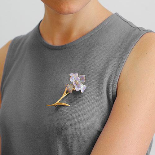 Брошь Misis Gemina с крупным цветком и цирконами, фото
