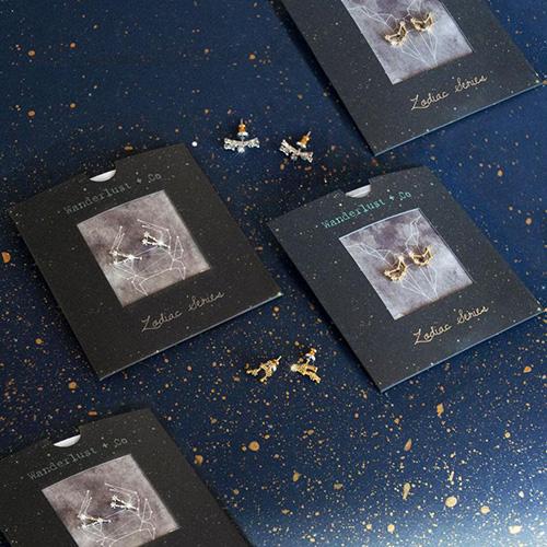 Позолоченные гвоздики Wanderlust + Co Zodiac Козерог, фото