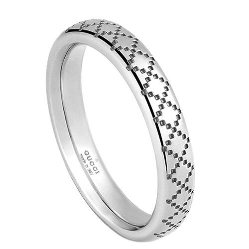 Тонкое кольцо Gucci Diamantissima из белого золота с узором, фото