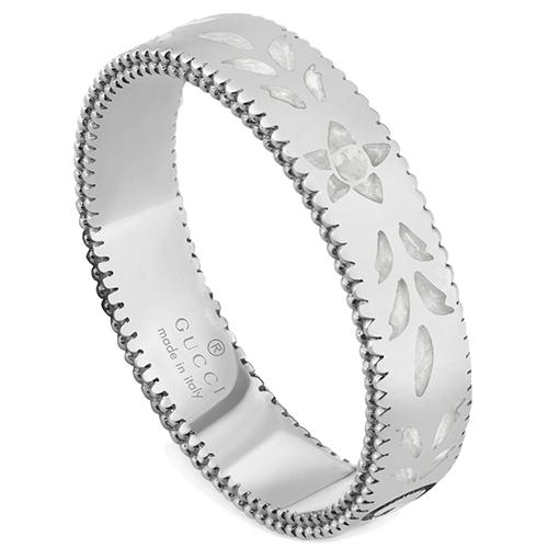 Женское кольцо Gucci Icon из белого золота с тиснением и узором из эмали, фото
