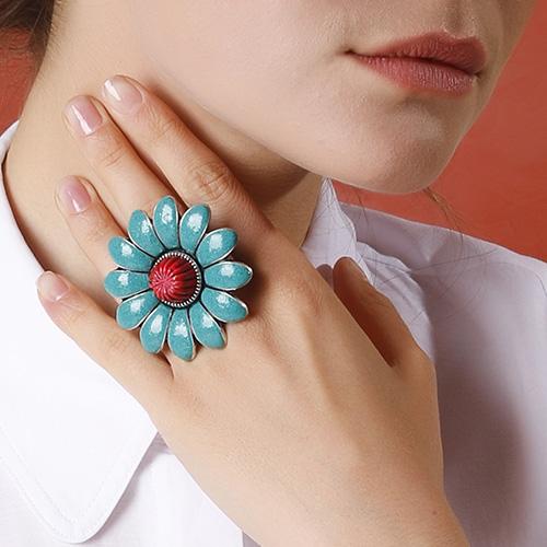 Серебряное кольцо Gucci GG Marmont в виде цветка с лепестками и двумя змеями, фото