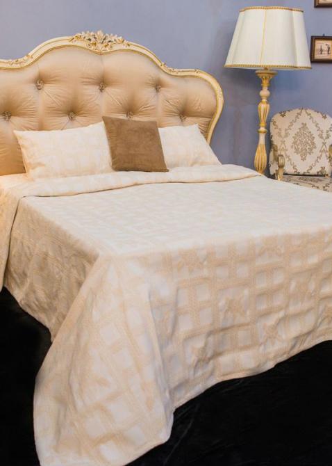 Покрывало бежевое Villa Grazia Bruna Premium с орнаментом, фото
