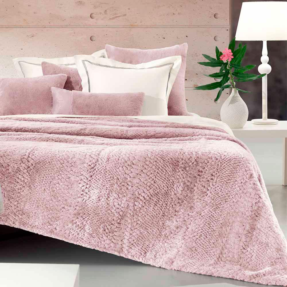 Покрывало Love You LUX Rabbit розового цвета 200x220см