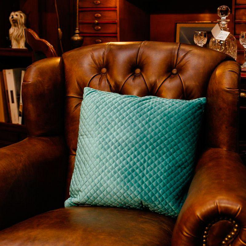 Велюровая подушка  Stof Celadon голубого цвета