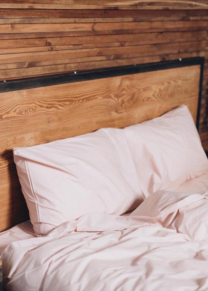 Светло-розовое постельное белье Home me Цветение нежности