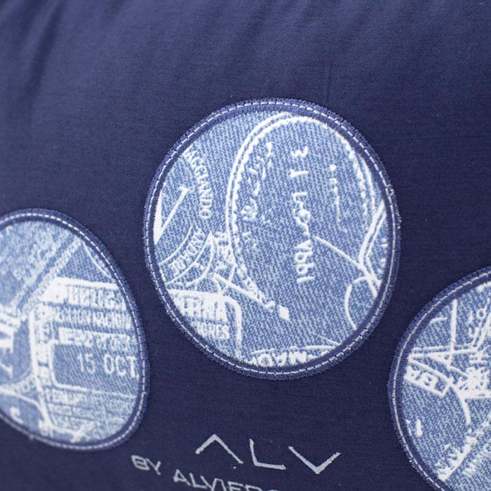 Декоративная подушка Bic Ricami синего цвета с набивным рисунком