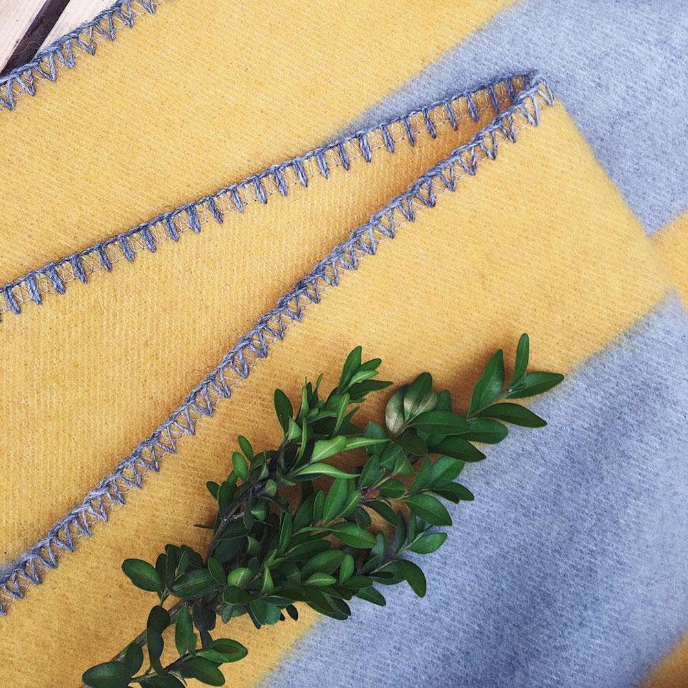 Плед Woolkrafts Stripes желтый с серым