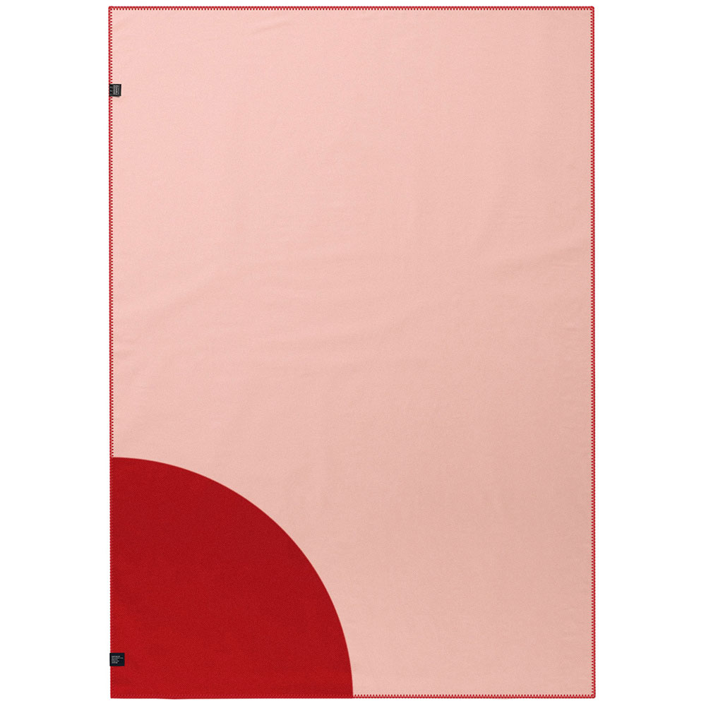 Плед красного цвета Woolkrafts Quarter