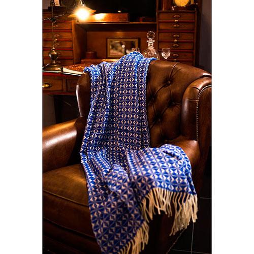 Плед Tweedmill Cobweave Royal синего цвета, фото