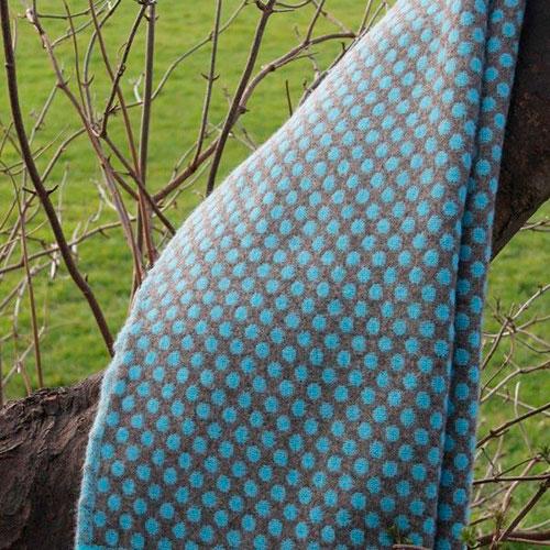 Плед Tweedmill Reversible Spot коричневый с голубым, фото