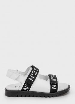 Белые сандалии N21 с фирменной надписью, фото