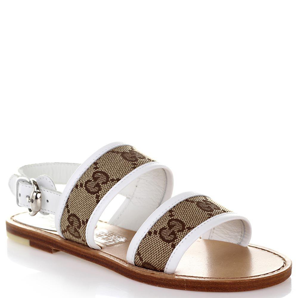 Босоножки Gucci из кожи белого цвета с брендированными текстильными вставками