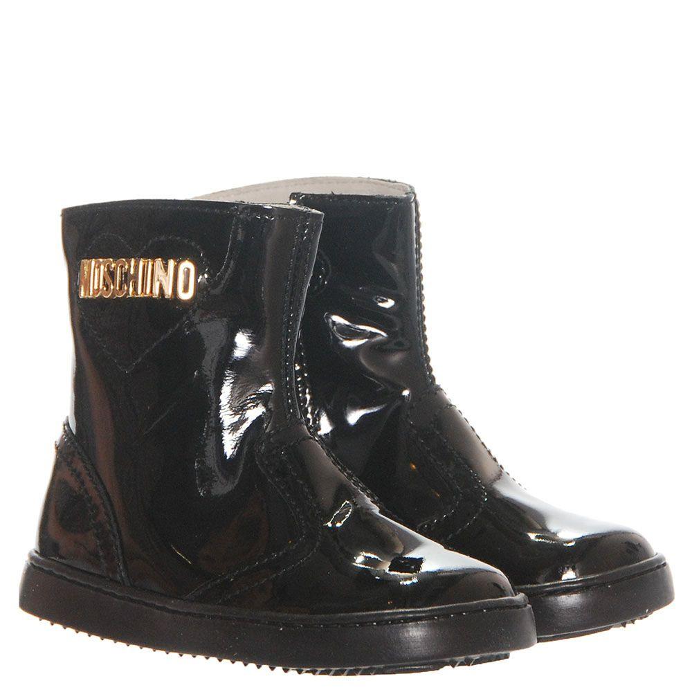 Сапоги из лаковой кожи черного цвета Moschino с фирменной надписью