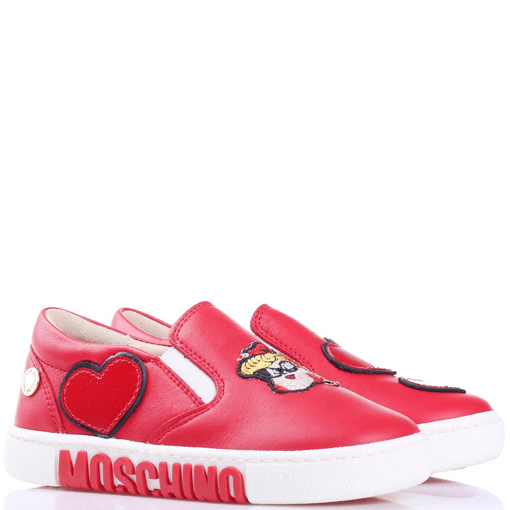 Красные слипоны Love Moschino с аппликацией