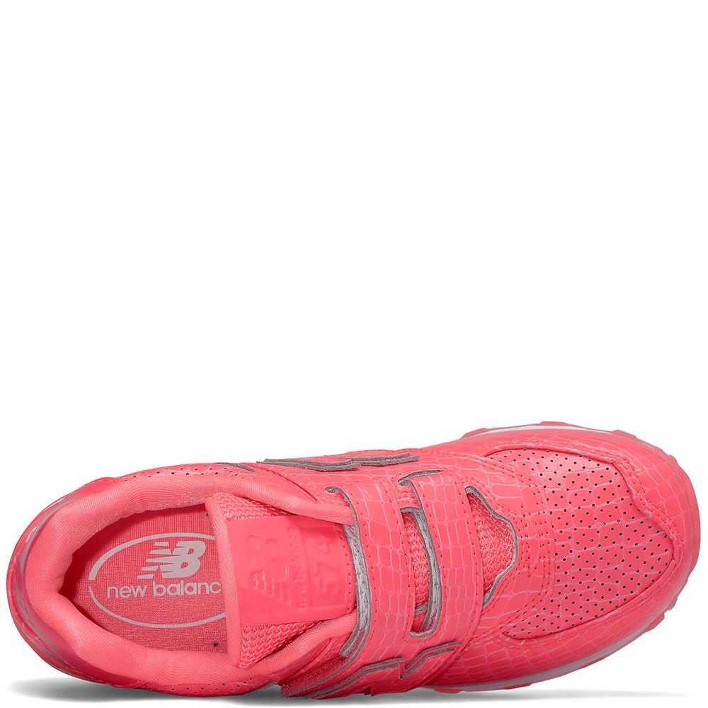 Кроссовки New Balance 574 на липучках розового цвета