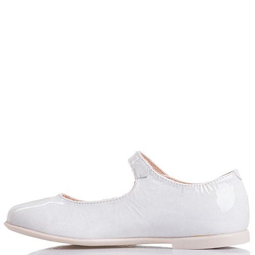 Белые туфли Naturino с ремешком, фото