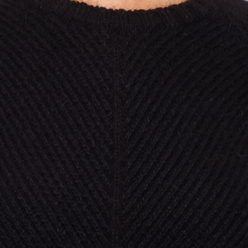 Черный свитер Emporio Armani с разрезами по бокам