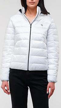 Белая куртка Calvin Klein с черными элементами, фото